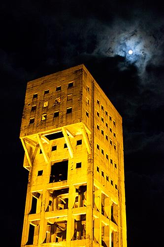 竪坑櫓ライトアップ